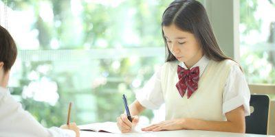 【2021年】中学の学習指導要領が変わる! 英語・数学の変更点を解説